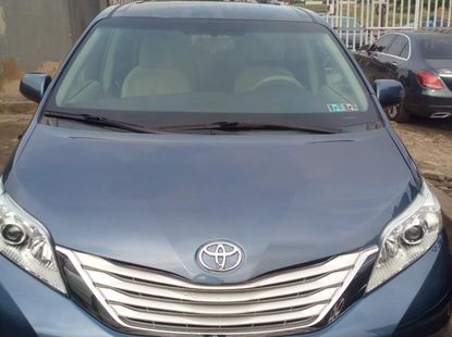 Foreign Used Toyota Sienna 2014 Model Blue