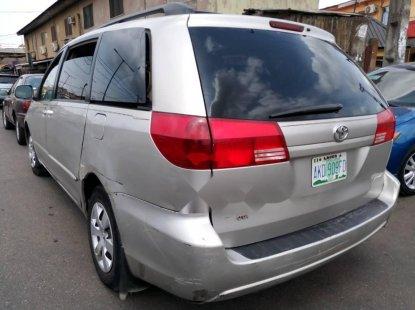 Nigeria Used Toyota Sienna 2009 Model Silver