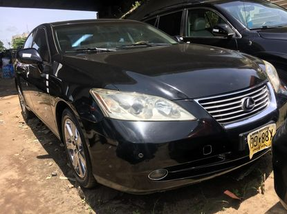 Foreign Used 2009 Black Lexus ES for sale in Lagos.