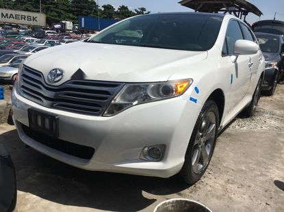 Foreign Used 2009 White Toyota Venza for sale in Lagos.
