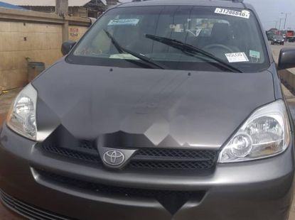 Foreign Used 2005 Dark Grey Toyota Sienna for sale in Lagos.