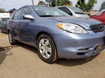 Nigeria Used Toyota Matrix 2004 Model Blue