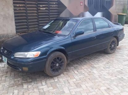 Nigeria Used Toyota Camry 2000 Model Blue
