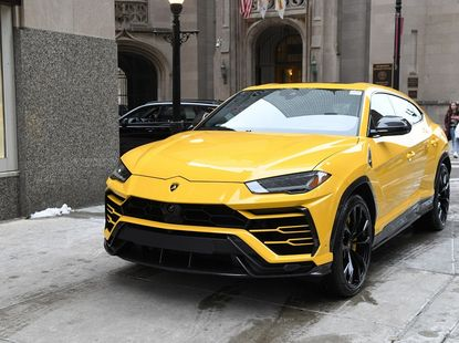 Lamborghini Urus 2020 model review: Buy it and buy top luxury!