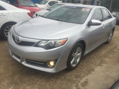 Clean 2012 Toyota Camry SE for sale