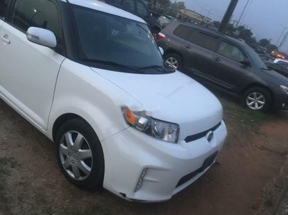 Clean 2016 Toyota Scion  automatic for sale