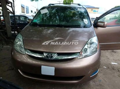 Toyota Sienna 2006 Model For Sale