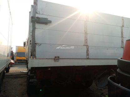 Foreign used 1999  Mercedes Benz 814 bucket truck