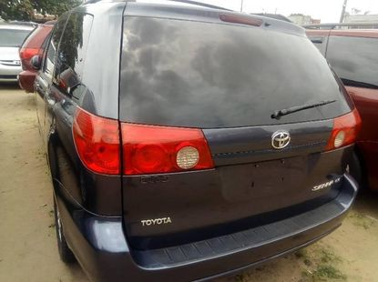 Toyota Sienna 2008 ₦2,899,999 for sale