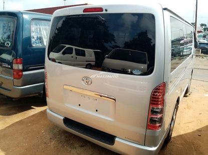 Foreign used 2010 Toyota haice bus direct hand