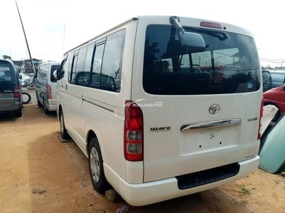 Foreign used Toyota haice bus direct hand