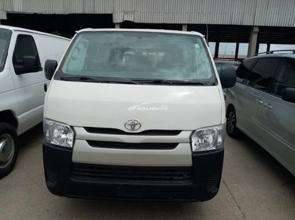 Foreign used 2010 Toyota haice direct hand