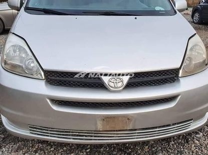Nigeria used 2005 Toyota Sienna is Available