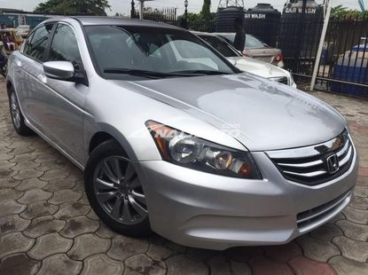 Clean forieng used Honda Accord 2011 model