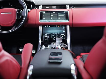 Top 5 cars with the best dashboard functions