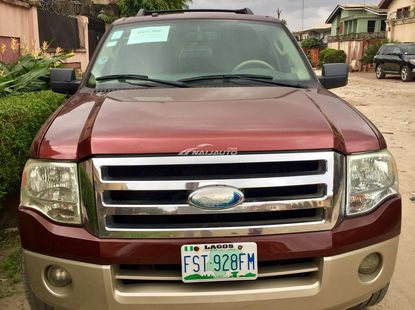 Clean 2007 Ford Expedition Eddie Bauer spec . Just  cleared and registered 22 months ago .