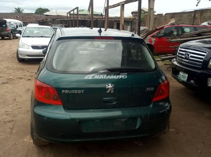 Green Peugeot 307 model for sale buy and drive