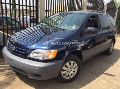 Toyota Sienna LE 2002 model for sale