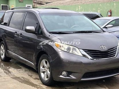 Foreign used Toyota Sienna 2011