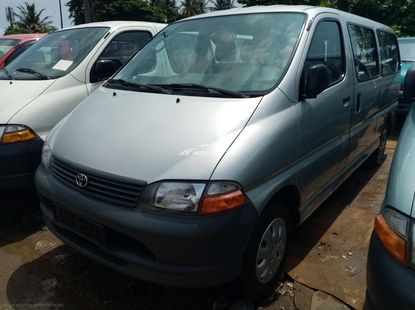Foreign used 2002 Toyota haice bus