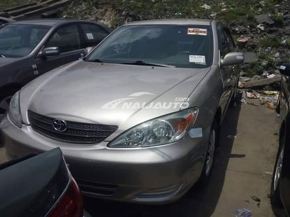 Accident free foreign used 2005 Toyota camry