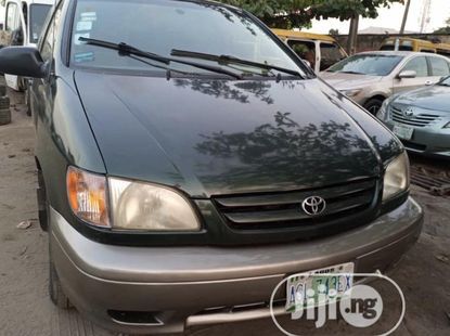 Toyota Sienna 2002 ₦1,350,000 for sale