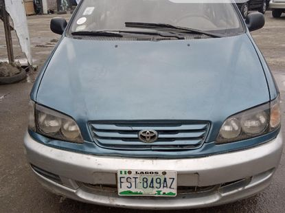 2001 Toyota Picnic for sale
