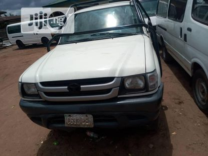 2004 Toyota Hilux for sale in Abuja