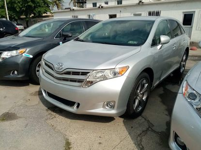 Foreign used 2010 totota venza