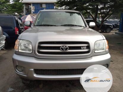 Toyota Sequoia 2004 ₦3,500,000 for sale