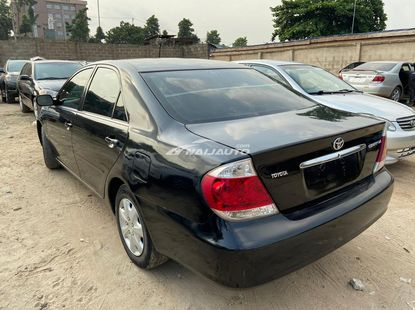 2005 Toyota Camry LE, Black