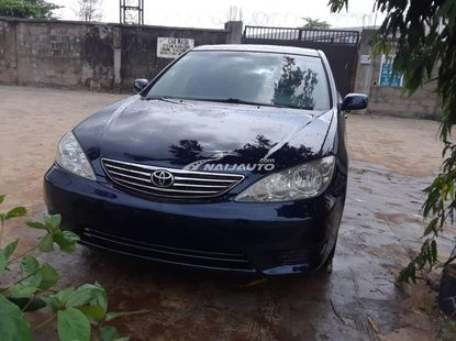 2005 Toyota Camry LE Blue
