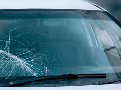 6 signs to know if your car windscreen needs replacement