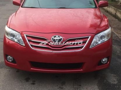 2010 Toyota Camry XLE , Red