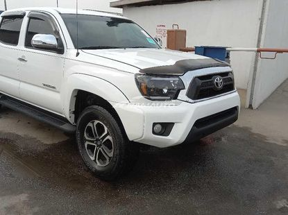 Foreign used 2016 Toyota tacoma