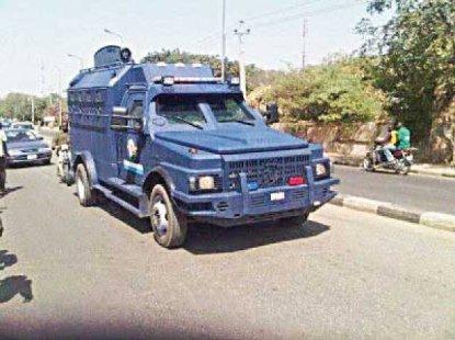 One police officer killed, 2 injured in bullion van attack