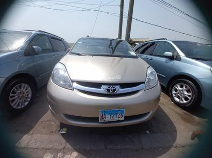 Foreign used 2008 Toyota Sienna