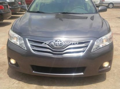 Clean used 2010 Toyota camry is available