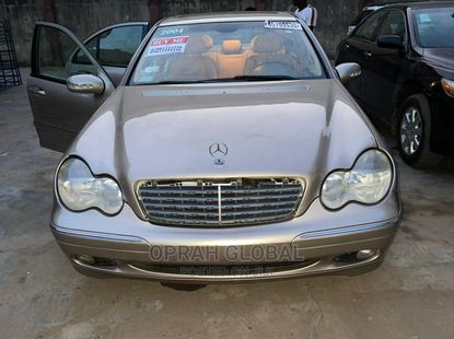 Mercedes-Benz C320 2004