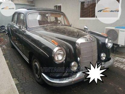 Mercedes-Benz 220 1965