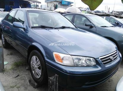 Clean Toyota Camry 1999