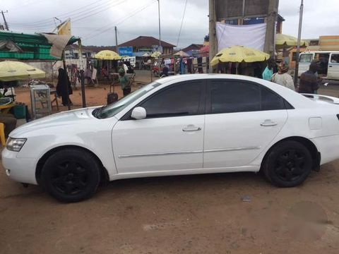 Clean Hyundai Sonata 2006 White For Sale