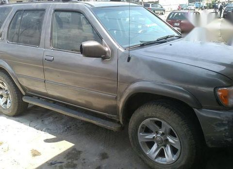 Nissan Pathfinder 2004 Brown for sale