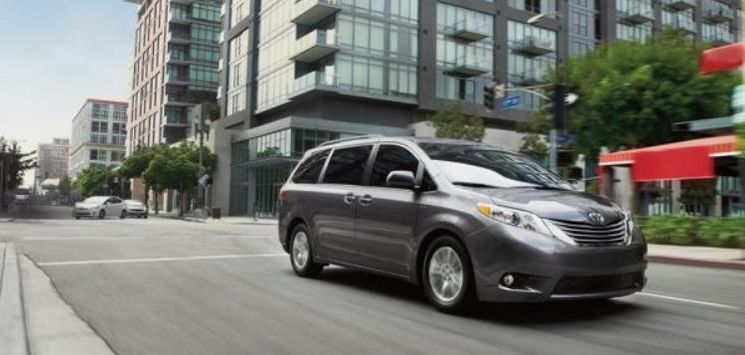 Toyota Sienna 2017 Review
